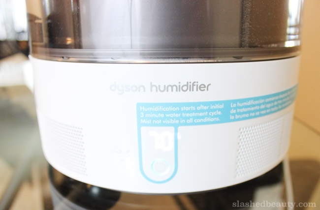 Click through to see how a humidifier has helped my skin and hair stay healthy this winter! This particular one is the Dyson AM10 Humidifier, which is the queen of all machines.
