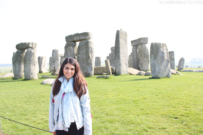 STONEHENGE TOUR TIPS | Visiting London doesn't have to cost an arm and a leg. Learn how to Vacation to London on a budget while seeing all the famous sights with these tips from experience! | Slashed Beauty